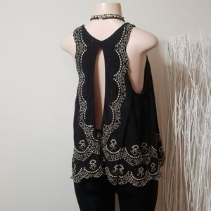 FREE PEOPLE CUT OUT & EMBROIDERED DESIGN TOP!